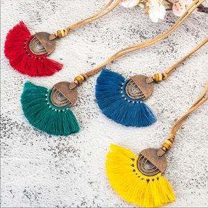✨3xHP✨NWT Boho Yellow Tassel Necklace